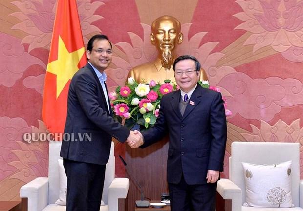 Vicepresidente del Parlamento de Vietnam recibe a directivo de Coca-Cola hinh anh 1