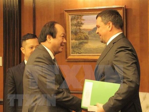 Vietnam y Rusia cooperan en construccion del gobierno electronico hinh anh 1