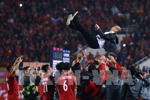 Presidente de Corea del Sur felicita el triunfo de Vietnam en AFF Suzuki Cup hinh anh 1