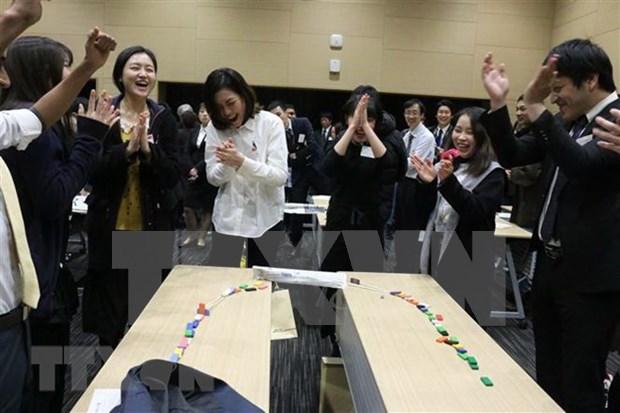 Estudiantes vietnamitas asisten a programa de intercambio con empresas japonesas hinh anh 1