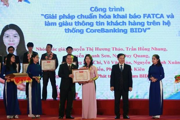 Entregan premios a 28 obras innovadoras de jovenes vietnamitas hinh anh 1