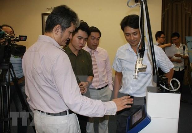 Empresa vietnamita lanza equipos quirurgicos con laser micropunto hinh anh 1