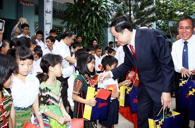 Frente de la Patria de Vietnam transmite mejores deseos a comunidad catolica por Navidad 2018 hinh anh 1