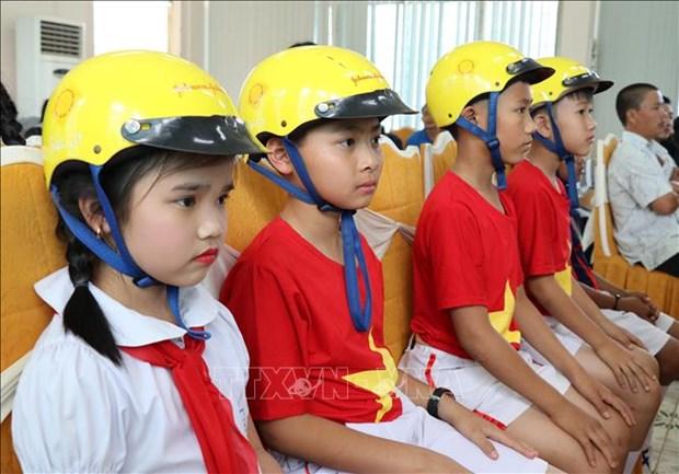 """Evaluan el proyecto """"Cascos para ninos"""" en la provincia vietnamita de Gia Lai hinh anh 1"""