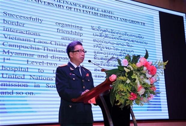 Conmemoran en Laos aniversario del Ejercito Popular de Vietnam hinh anh 1