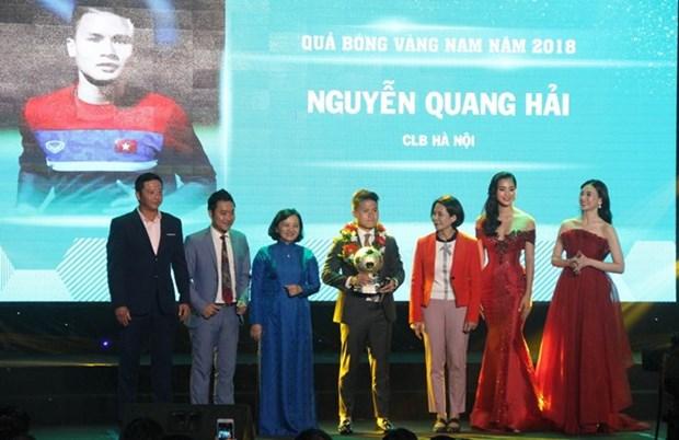 Nguyen Quang Hai se lleva el Balon de Oro de Vietnam 2018 hinh anh 1
