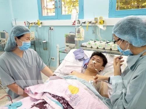 Primer paciente infantil en Vietnam recibe rinon de donante con muerte cerebral hinh anh 1