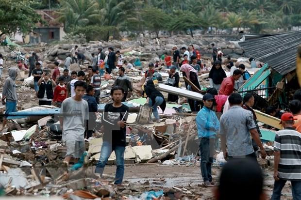 Mas de 280 muertos y mil heridos tras tsunami en Indonesia hinh anh 1