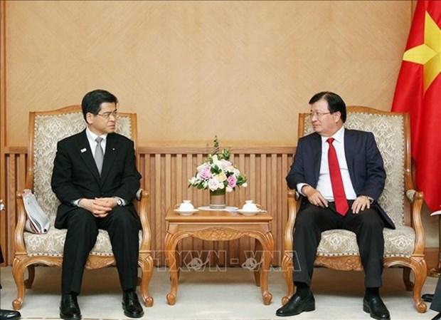 Vicepremier de Vietnam exhorta a la inversion de Japon en industria automotriz y energia hinh anh 1