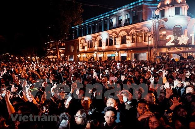 Numerosos turistas visitaron Hanoi en dias feriados del Ano Nuevo Solar hinh anh 1