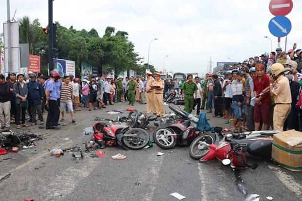 Aceleran en Vietnam investigacion de accidente de trafico que mata a cuatro personas hinh anh 1