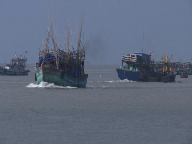 Rescatan a decenas de marineros vietnamitas accidentados en el mar hinh anh 1