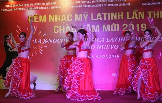 Velada de musica latinoamericana en Hanoi conmemora triunfo de Revolucion Cubana hinh anh 1