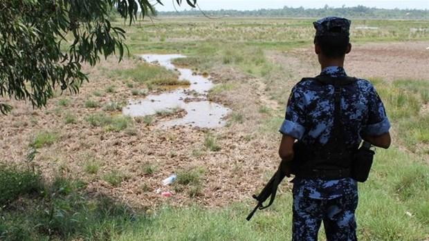 Oleada de violencia en Myanmar mata a 13 policias hinh anh 1