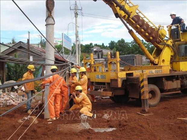 Provincia vietnamita intensifica asistencia a localidad camboyana en suministro de electricidad hinh anh 1