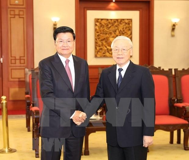 Maximo dirigente vietnamita propone mayor cooperacion para promover nexos con Laos hinh anh 1