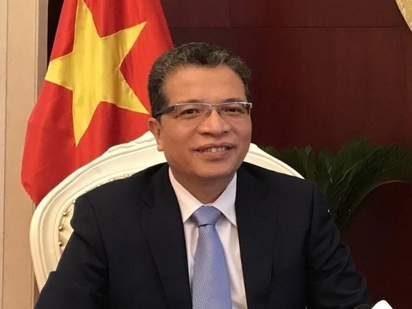 Embajador vietnamita se reune con medios chinos hinh anh 1