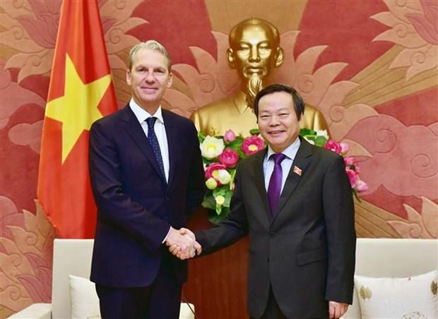 Grupo estadounidense transfiere tecnologias de produccion farmaceutica a empresas vietnamitas hinh anh 1