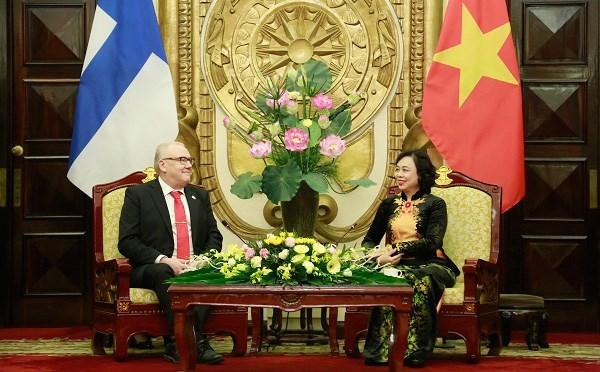 Hanoi fomenta cooperacion integral con la Region de Ostrobotnia del Sur de Finlandia hinh anh 1
