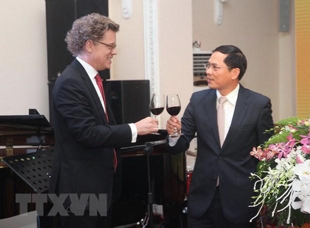 Conmemoran Vietnam y Suecia 50 aniversario de relaciones diplomaticas hinh anh 1