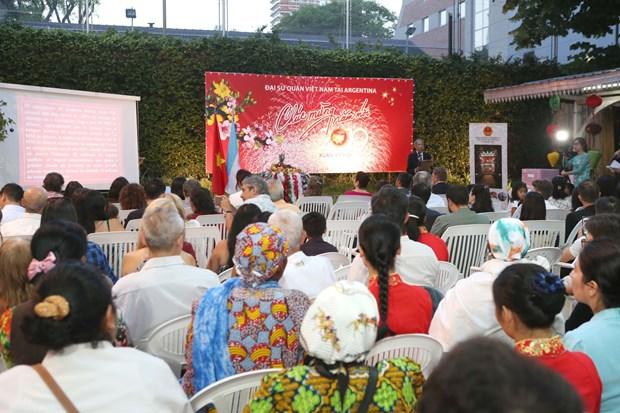 Vietnamitas en Argentina celebran fiesta del Ano Nuevo Lunar 2019 hinh anh 2