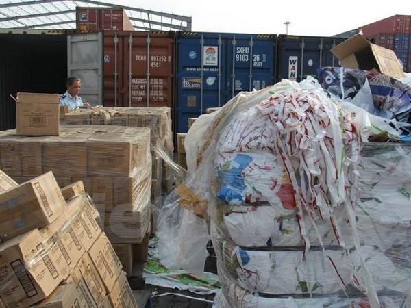 Prohibira Vietnam importacion de materiales de desechos por puertas fronterizas terrestres hinh anh 1