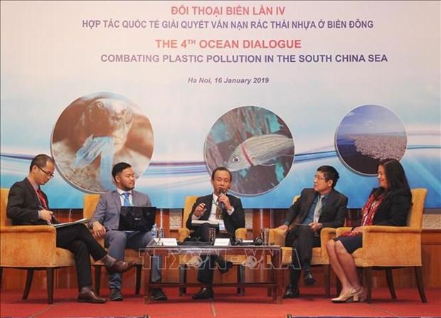 Debaten en Vietnam sobre contaminacion oceanica por residuos plasticos hinh anh 1