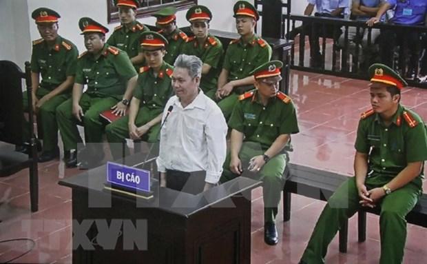 Reducen en Vietnam sancion a acusado de acciones opositoras hinh anh 1