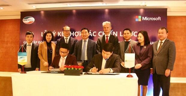 Entablan cooperacion entre companias Viettel de Vietnam y Microsoft de EE.UU. hinh anh 1