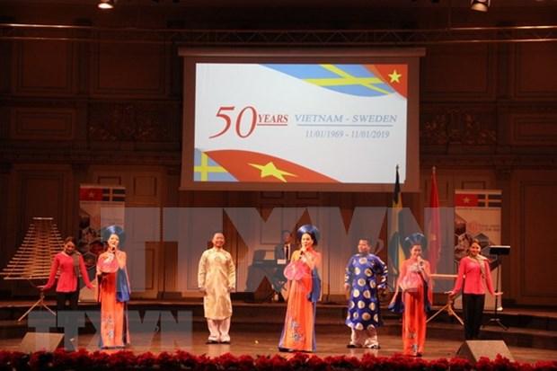 Conmemoran 50 aniversario de relaciones diplomaticas Vietnam-Suecia hinh anh 1