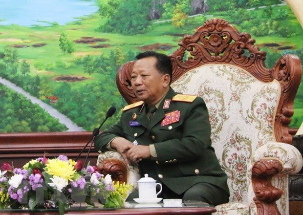 Vietnam y Laos deben consolidar aun mas relaciones militares, afirma ministro laosiano hinh anh 1