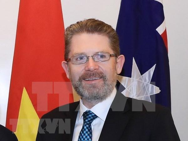 Inicia presidente del Senado de Australia visita oficial a Vietnam hinh anh 1