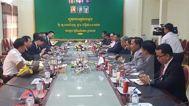 Realizan misiones diplomaticas vietnamitas en el exterior actividades con motivo del Tet hinh anh 1