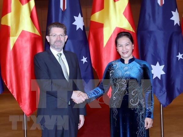 Concluye presidente del Senado australiano su visita a Vietnam hinh anh 1