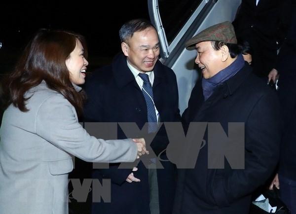 Llego a Suiza el primer ministro de Vietnam para reunion anual del Foro Economico Mundial hinh anh 1