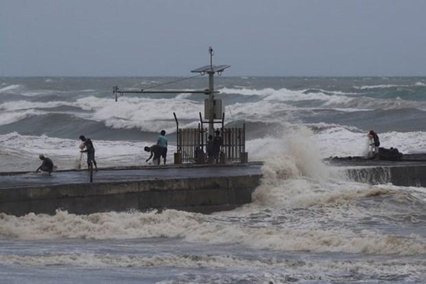 Prohibe Filipinas que funcionarios del Gobierno viajen al extranjero durante desastres y emergencias hinh anh 1