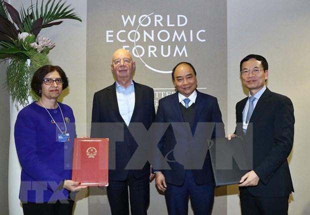 Continua premier vietnamita desarrollo de amplia agenda en FEM 2019 hinh anh 1