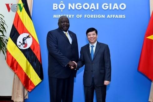 Buscan Vietnam y Uganda impulsar vinculos bilaterales hinh anh 1