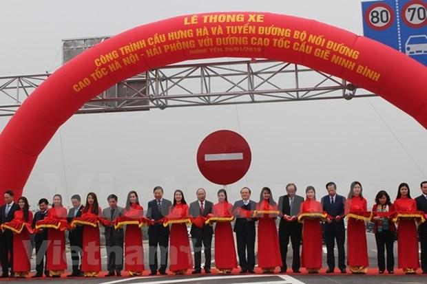 Premier de Vietnam asistio a inauguracion de importante obra vial hinh anh 1