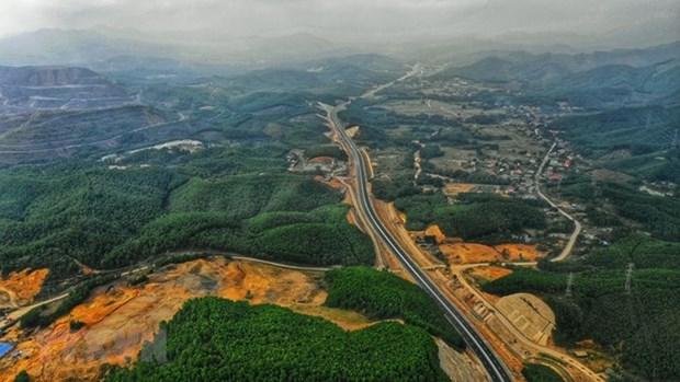 Autopista Ha Long-Van Don abrira oficialmente el primero de febrero hinh anh 1