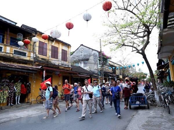 Recibe Vietnam mas de 1,5 millones de turistas extranjeros en enero hinh anh 1