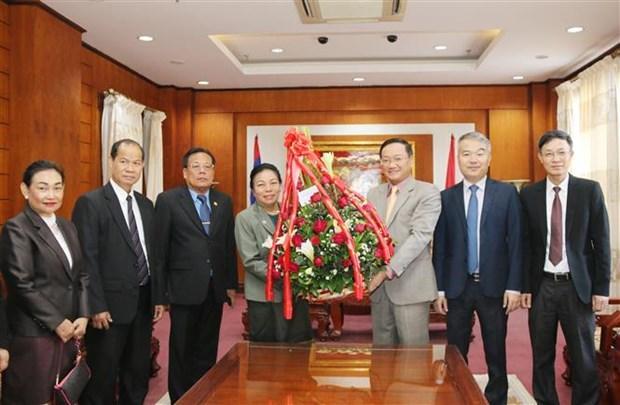 Transmite dirigente de Laos felicitaciones por aniversario del Partido Comunista de Vietnam hinh anh 1