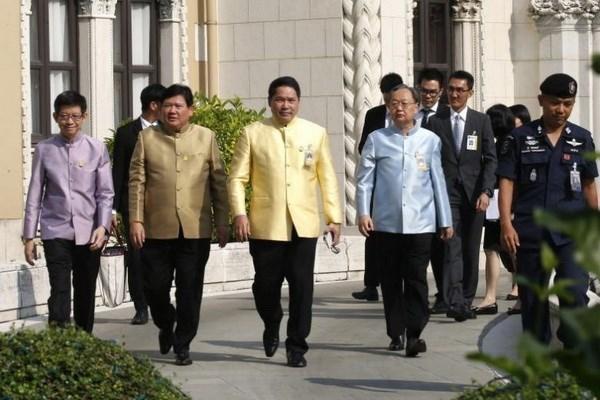Renuncian ministros tailandeses para centrarse en campanas electorales hinh anh 1