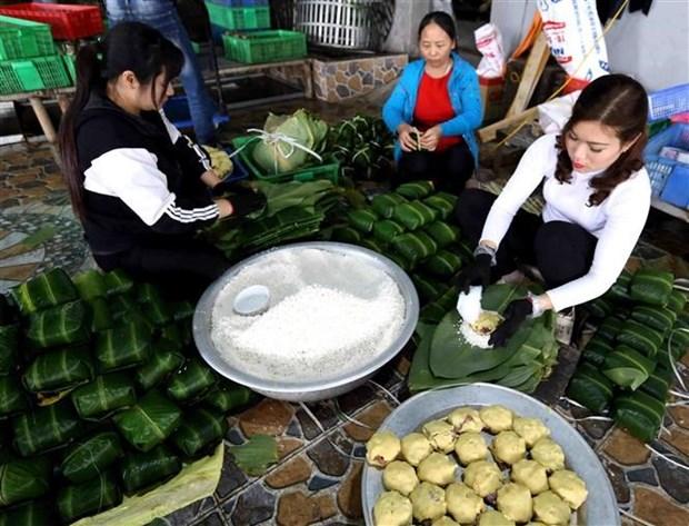 La llegada del Tet despierta recuerdos sobre el banh chung de Cau Bang hinh anh 1