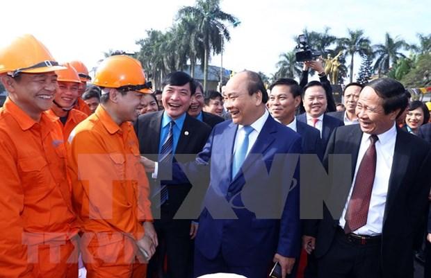 Visita Premier de Vietnam la cuna de movimiento obrero en ocasion de Ano Nuevo Lunar hinh anh 1