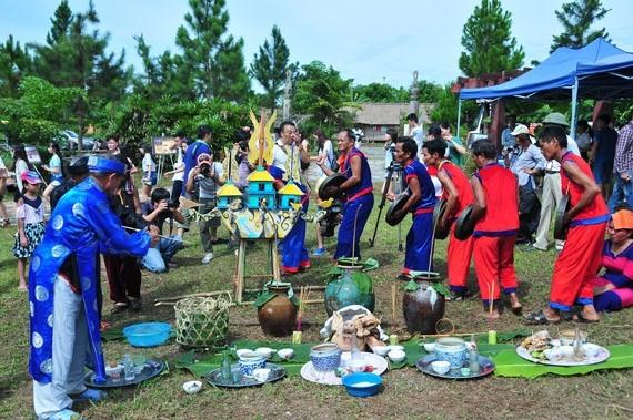 Reconocen como Patrimonio Intangible Nacional rito de Despedida a los Muertos de etnia vietnamita hinh anh 1