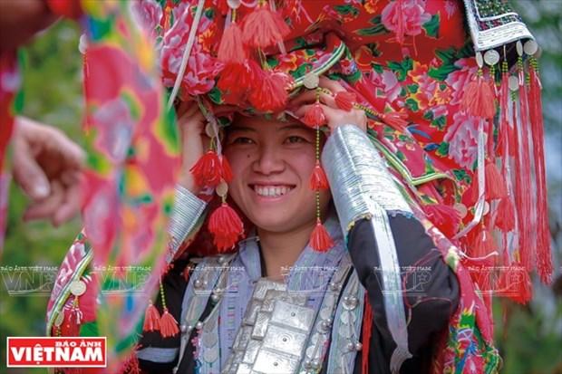 """Ceremonia misteriosa de """"capsac"""" de etnia Dao rojo hinh anh 1"""