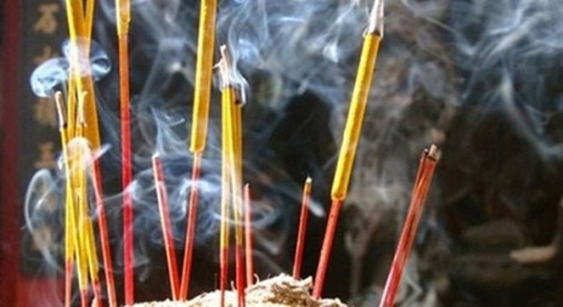 El incienso y la vida espiritual del vietnamita hinh anh 1