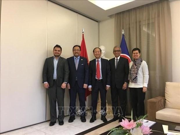 Vietnam asume la presidencia del Comite de la ASEAN en Madrid hinh anh 1