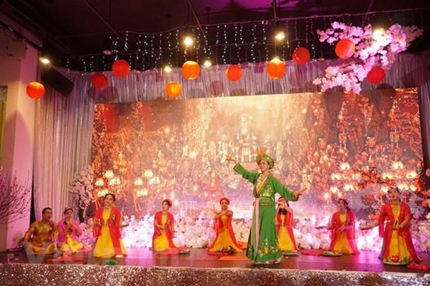 Celebran Ano Nuevo Lunar comunidades vietnamitas en Canada y Republica Checa hinh anh 1